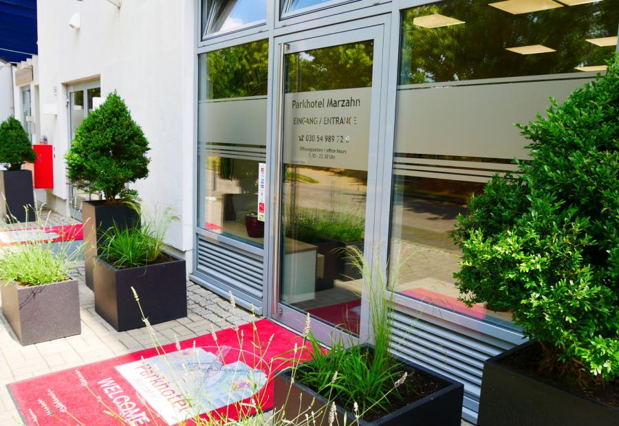 Parkhotel Marzahn Hotel In Berlin Marzahn Hellersdorf Garten Der